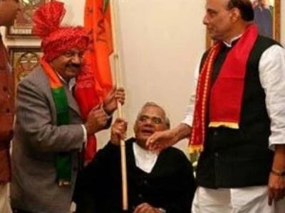 89वें जन्मदिन की इस तस्वीर में दिखे थे अटल बिहारी वाजेपयी