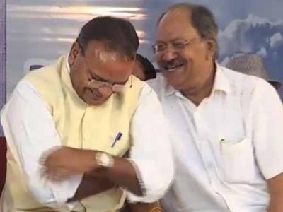 अस्थि कलश के साथ हंसी-ठिठोली करने वाले मंत्री दिल्ली तलब