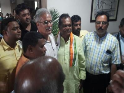 छत्तीसगढ़:पूर्व विधायक डोमेंद्र भेड़िया ने भी छोड़ी कांग्रेस
