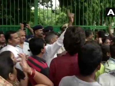 दिल्ली के सरकारी स्लूल में कक्षा दो की बच्ची से बलात्कार