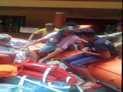 Kerala Floods Live: केरल में मौत का आंकड़ा 350 के पार