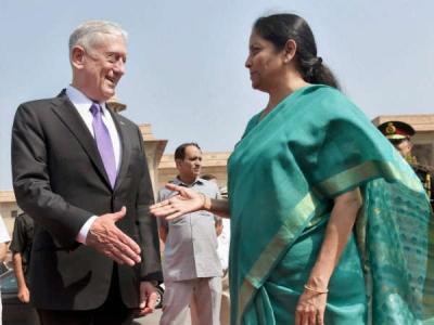 अमेरिकी रक्षा मंत्री मटीज से हॉटलाइन पर बात करेंगी सीतारमण