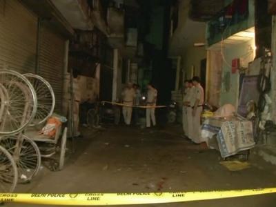 दिल्ली के जेजे कॉलोनी में व्यक्ति की गोली मारकर हत्या