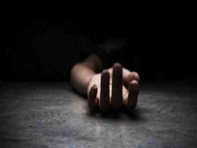 75 साल की महिला की हत्या में बेटी पर शक