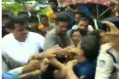 मध्य प्रदेश में भाजपा नेता को कांग्रेस विधायक ने माचा तमाचा,