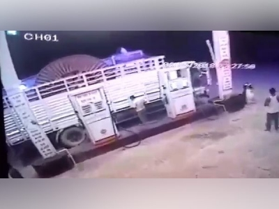CCTV: वाराणसी में चोरी का स्टाइल देख दंग रह जाएंगे आप