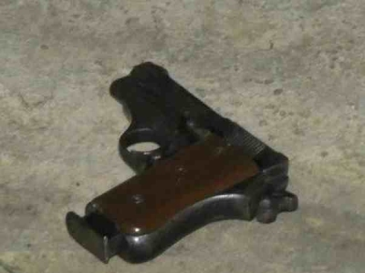 सीआरपीएफ कैम्प के अंदर एके 47 से चली गोली, एक की मौत