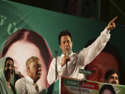 पाकिस्तान चुनाव आयोग ने इमरान खान को भेजा नोटिस