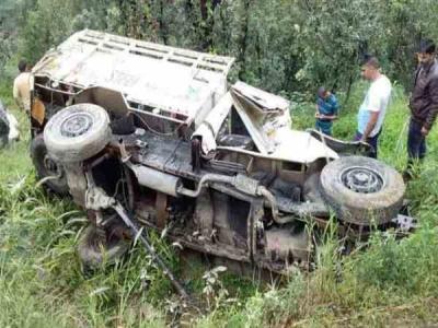 हिमाचल में फिर हुआ सड़क हादसा, जीप पलटने से तीन की मौत