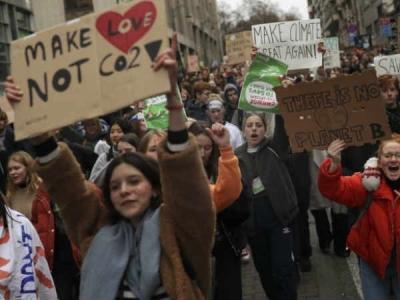 स्विट्जरलैंड: 'मेरे ब्वॉयफ्रेंड से भी ज्यादा हॉट धरती'