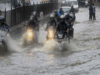 मुंबई: भारी बारिश की आशंका के बीच आज बंद रहेंगे स्कूल-कॉलेज