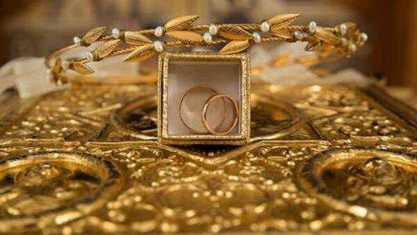लगातार गिरने के बाद संभला सोना, चांदी की कीमत में बदलाव
