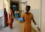 भारत की महिलाओं में पुरुषों के मुकाबले ज़्यादा कैंसर क्यों?