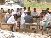 वो पोलियोग्रस्त किसान जो गुजरात में लाया अनार की बहार