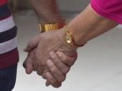 युवाओं से ज़्यादा बुजुर्गों का रोमांस समाज को क्यों अखरता है?: ब्लॉग
