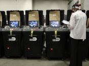 अमेरिकी चुनाव: ईवीएम मशीनों के बारे में ट्रंप का दावा कितना सही?