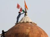 दिल्ली का लाल क़िला सत्ता का केंद्र कैसे बना, क्या है इसकी ऐतिहासिक अहमियत