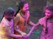 कौन कहता है कि होली सिर्फ हिंदुओं का त्योहार है?