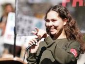 नलेली कोबो: तेल के कुंओं से हो रहे प्रदूषण के ख़िलाफ़ लड़ने वाली 19 साल की लड़की