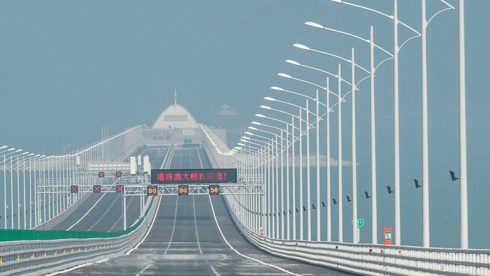 चीन ने बनाया समंदर पर दुनिया का सबसे लंबा पुल