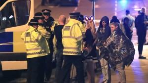 मैनचेस्टर धमाकाः 'वॉर फ़िल्मों जैसा भयानक दृश्य था'